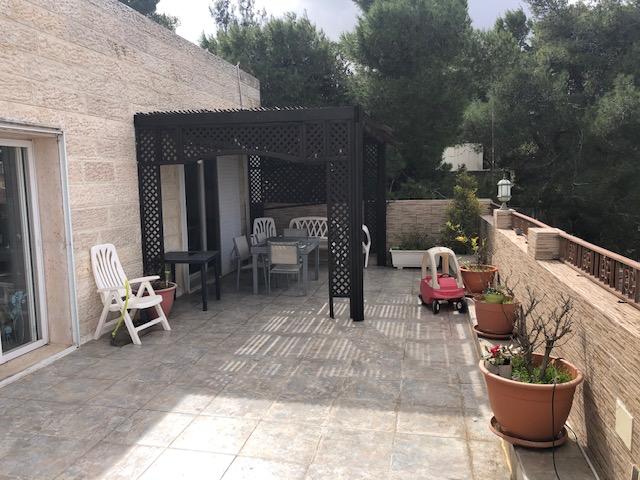 Beautiful penthouse in Kiryat Shmuel – Hatayassim street